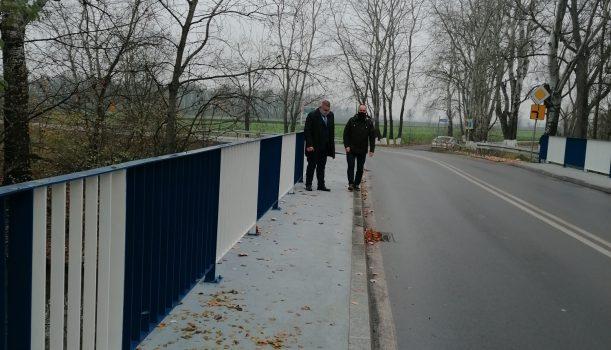 Budowa mostu w Chrząstawie Wielkiej,  gm. Czernica